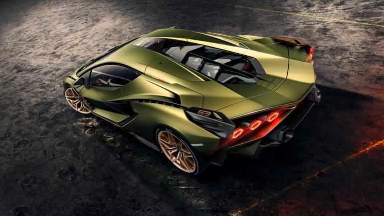 Lamborghini Sian - гибридный спорткар с мощностью 600 кВт, разгоном до сотни за 2,8 с, максималкой 350 км/ч и суперконденсаторами вместо батарей