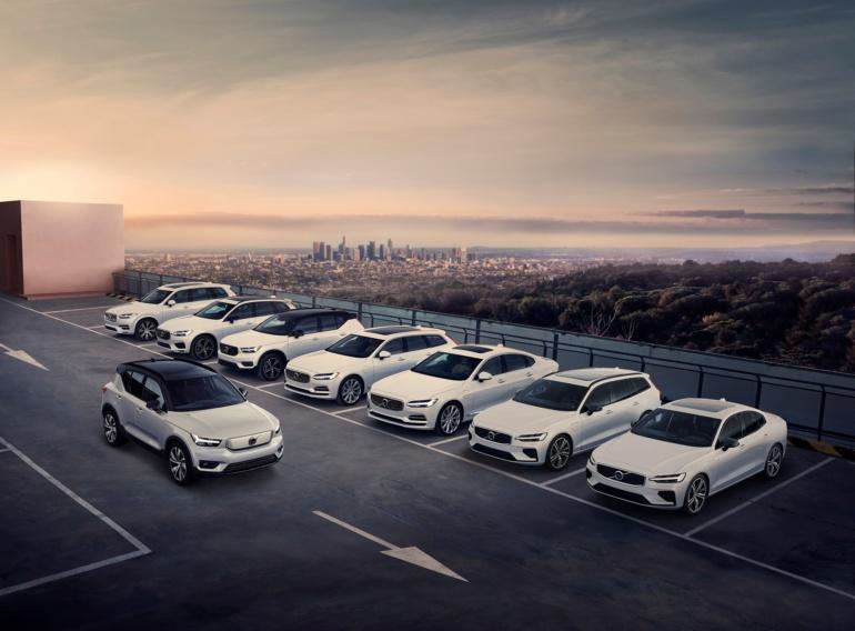 Электрокроссовер Volvo XC40 Recharge представлен официально: два двигателя суммарной мощностью 300 кВт, батарея 78 кВтч, запас хода 400 км (WLTP) и ценник от $48 тыс.