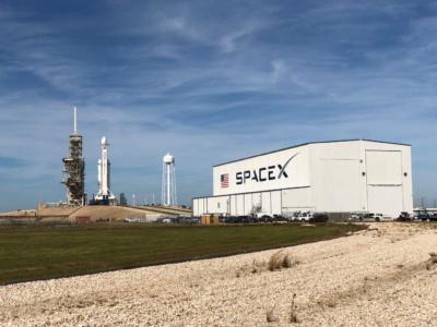 SpaceX и NASAтеперь планируют первый полет Crew Dragon с экипажем на первую половину 2020 года