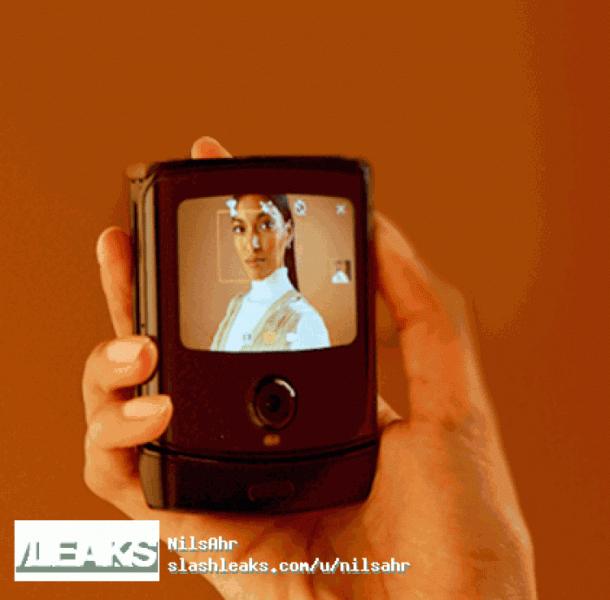 Обновлено: Галерея дня: сгибающийся Motorola RAZR 2019 во всей красе (выглядит в точности как оригинал)