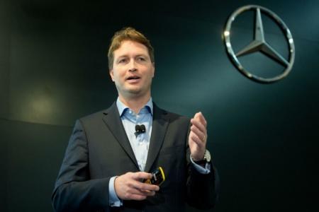 В Daimler передумали гнаться за первенством в гонке по разработке роботакси