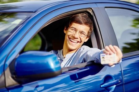 Михаил Федоров: Утерянные водительские права можно будет восстановить одной кнопкой в приложении «Дія» и получить готовый экземпляр по почте