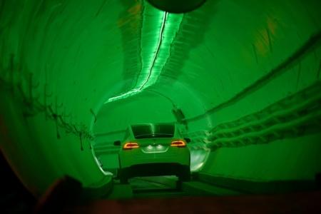 Илон Маск вспомнил о «скучной» компании и подземных автомобильных тоннелях для объезда пробок