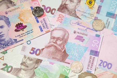 Правительство приняло постановление, которое должно позволить работникам свободно выбирать банки для получения зарплат и соцвыплат