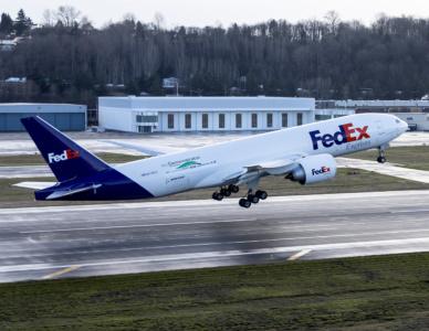 Boeing неожиданно отчитался о проведении эксперимента, который подтвердил экономичность совместных перелетов лайнеров клином
