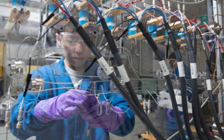 Специалисты IBM создали аккумулятор без кобальта, используя материалы из морской воды