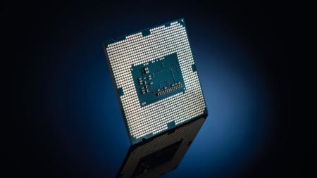 Подробные характеристики новых настольных CPU Intel Core 10-го поколения (Comet Lake-S) платформы LGA1200. 10-ядерный флагман Core i9-10900K сможет разгоняться до 5,3 ГГц
