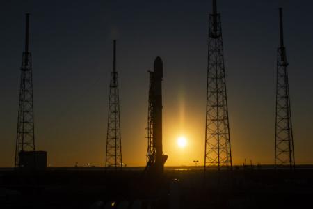 SpaceX отправила на орбиту четвертую партию из 60 спутников для раздачи глобального интернета Starlink