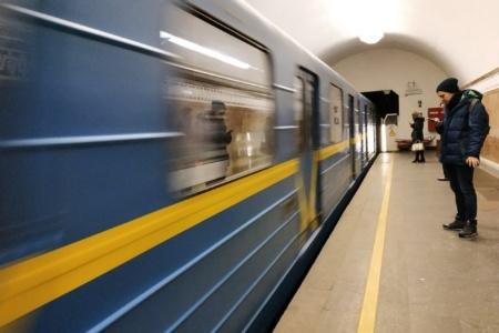 КГГА: Мобильный 4G-интернет должен появиться на первых станциях киевского метро уже в марте текущего года