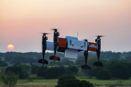 Грузовой беспилотник-тейлситтер APT 70 испытали полетом за пределами прямой видимости оператора