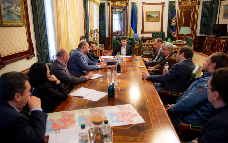 Кодировка спутникового ТВ: После встречи с Президентом Украины медиагруппы пообещали разблокировать международные версии каналов, Зеонбуд - увеличить покрытие, провайдеры - запустить соцтарифы с минимальной абонплатой