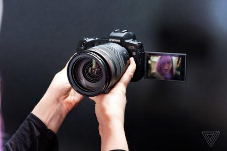 Canon предлагает использовать её камеры в качестве веб-камеры для проведения видеоконференций