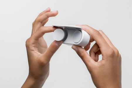 Дешевле, чем в США. Наушники Microsoft Surface Earbuds начнут продаваться в Европе с 6 мая по цене €199