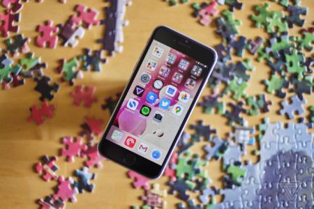 В iPhone SE функция Haptic Touch не работает на экране блокировки и в Центре уведомлений, но «так и должно быть»