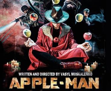 Український режисер зняв жартівливий супергеройський фільм Apple-Man у власній квартирі й сам зіграв усіх 12 персонажів