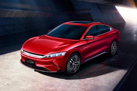 Китайский электромобиль BYD Han EV с разгоном до «сотни» за 3,9 секунды, запасом хода 600 км и ценником от 45 тыс. евро будет официально продаваться в Европе