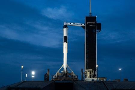 Обновлено: SpaceX Crew Dragon везет астронавтов на МКС, но не сегодня [запуск перенесли из-за погоды]