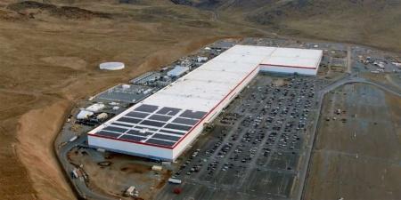 Tesla и Panasonic обсуждают расширение производственных мощностей Gigafactory 1