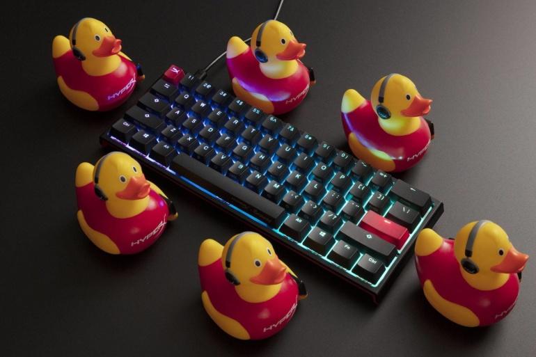 HyperX в сотрудничестве с Ducky выпустила механическую геймерскую клавиатуру HyperX x Ducky One 2 Mini с переключателями HyperX Red и конструкцией Ducky 60% Keyboard