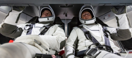 SpaceX выпустила браузерный симулятор стыковки пилотируемого Crew Dragon с МКС