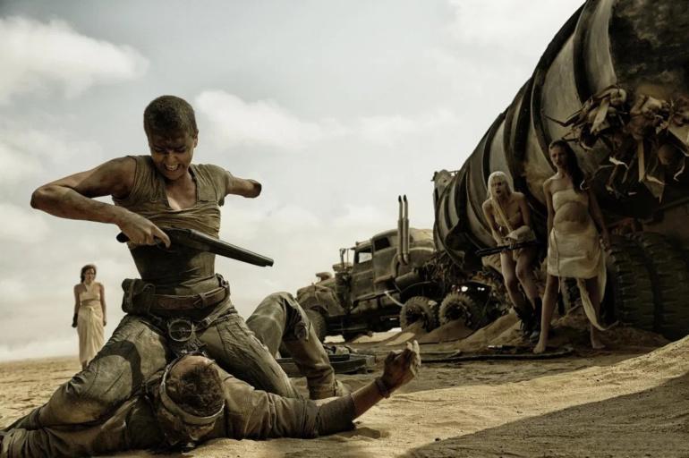 """Variety: Джордж Миллер снимет спин-офф """"Безумного Макса"""" о молодой Фуриосе. В нем хотели применить """"цифровое омоложение"""" Шарлиз Терон (но вовремя передумали)"""
