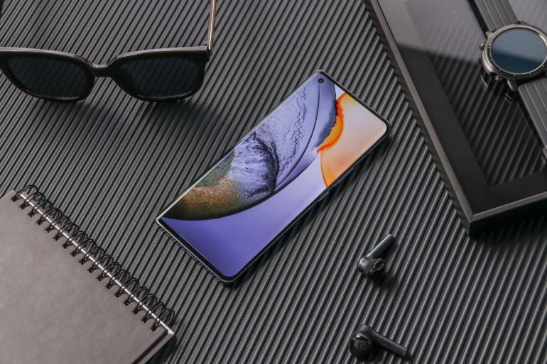 Vivo анонсировала смартфоны серии X50, оснащённые механическим стабилизатором камеры