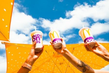 Сеть McDonald's Украина отказалась от пластиковых стаканов для холодных напитков в пользу бумажных, это уменьшит потребление пластика на 10 тонн в месяц