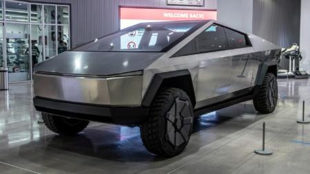 По данным аналитиков объем предзаказов электропикапа Tesla Cybertruck уже превысил отметку 650 тыс.