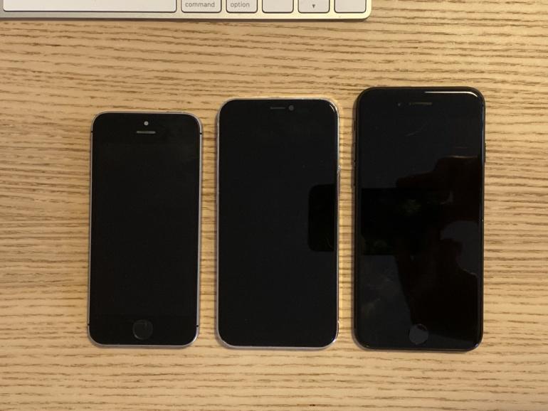 5,4-дюймовый iPhone 12 сравнили с оригинальным iPhone SE и iPhone 7