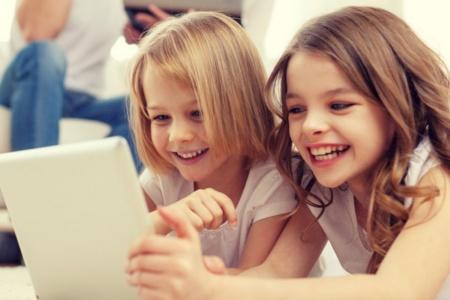 Кабмин разрешил прописывать детей онлайн — услуга вскоре появится на сайте «Дія»