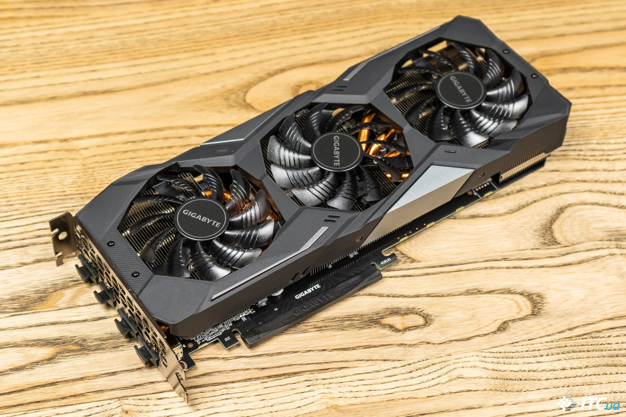 GIGABYTE GeForce RTX 2060 SUPER GAMING OC 3X 8G