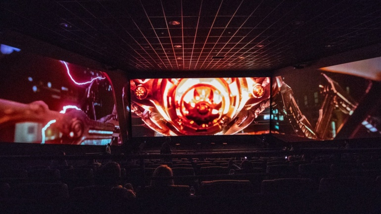 Сеть кинотеатров Multiplex открыла первый в Киеве кинотеатр с панорамным 270-градусным экраном ScreenX