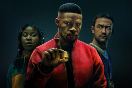 Сегодня на Netflix вышел фантастический боевик Project Power / «Проект «Сила»» с Джейми Фоксом и Джозеф Гордон-Левиттом [трейлер]