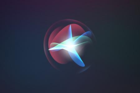 Apple хоче навчити Siri говорити українською мовою