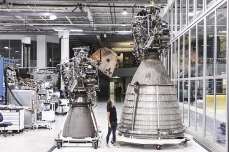 SpaceX провела огневые испытания вакуумной версии двигателя Raptor для межпланетного корабля Starship