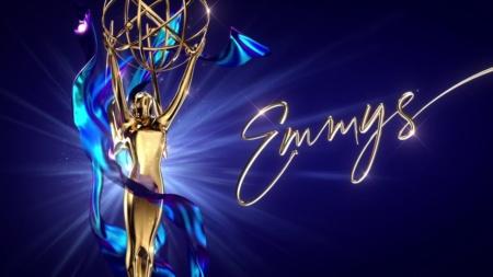 Все победители телевизионной премии «Эмми 2020»: Лучший драматический сериал — «Наследники», комедийный — «Шиттс Крик», мини-сериал «Хранители» (HBO обогнал Netflix)