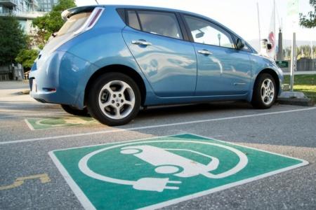 Мининфраструктуры: Кабмин поддержал законопроект, который четко определяет термины «электромобиль», «гибрид», «зарядная станция» и др.