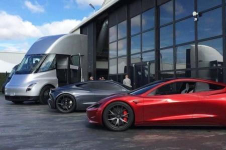Илон Маск предупредил, что Tesla начнет массовый выпуск новых батарей не раньше 2022 года