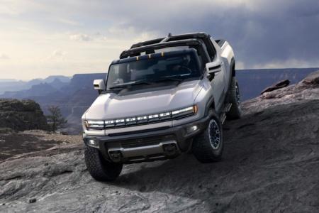 Электропикап GMC Hummer EV представлен официально: три двигателя мощностью до 1000 л.с., запас хода до 560 км и стоимость от $80 тыс. до $112,5 тыс.
