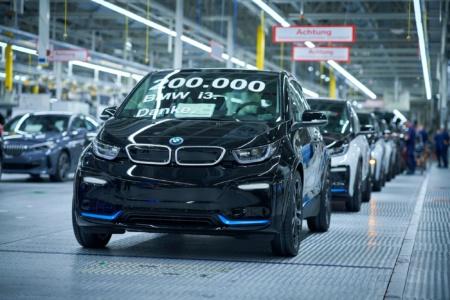 За неполные семь лет производства немцы изготовили 200 тыс. электромобилей BMW i3