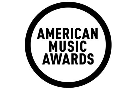 В США вручили музыкальные премии American Music Awards 2020, в лидерах Тейлор Свифт, The Weeknd и Dan + Shay