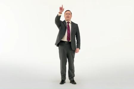 Джон Ходжман вернулся к роли PC парня для рекламы новых ПК Mac на собственных процессорах Apple