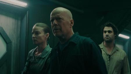 Брюс Уиллис снялся в ужасной фантастике «Breach» / «Anti-Life», увидеть ее можно с 18 декабря 2020 года [трейлер]