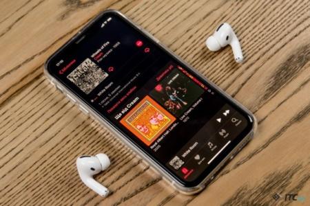 Не прошло и года. Apple официально признала наличие проблемы с треском AirPods Pro, и согласилась бесплатно заменить такие экземпляры