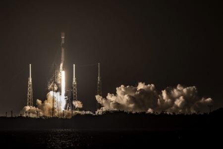 SpaceX в седьмой раз запустила и посадила одну и ту же ступень Falcon 9, а еще обновила рекорд по запускам за месяц и наметила полноценный запуск Starship SN8 на следующую неделю