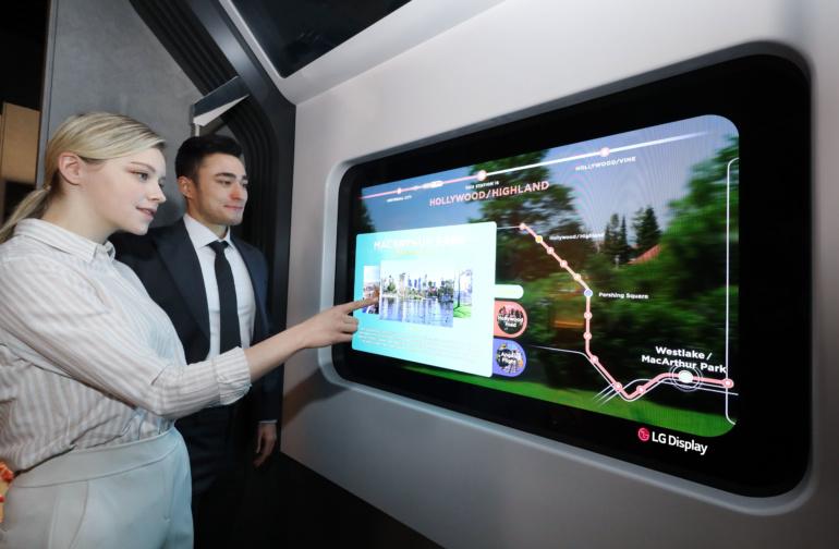 LG Display покажет на CES 2021 примеры реального применения прозрачных OLED-панелей: в ресторане, спальне и метро