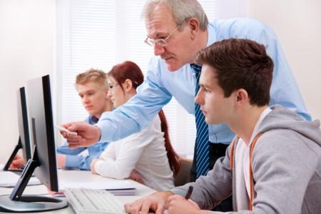В 2020 году количество заявок на IT-специальности в украинских университетах достигло рекордных 138 тысяч (это на 20% больше, чем 2 года назад)