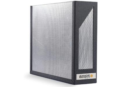 Клиенты американского Amazon покупали клетки Фарадея для роутеров, чтобы защититься от излучения. А потом недоумевали, почему затухает сигнал Wi-Fi