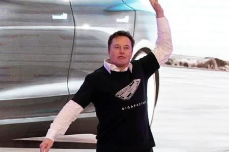 Илон Маск ненадолго отобрал у Джеффа Безоса титул богатейшего человека в мире