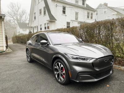 Ford задерживает поставки сотен электрокроссоверов Mustang Mach-E для «дополнительных проверок качества» — недавно он насмехался над старыми проблемами с качеством у Tesla